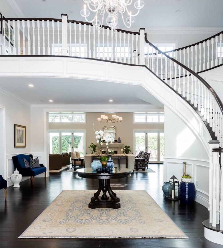 Interior designer Courtney Thomas - entrance hallway