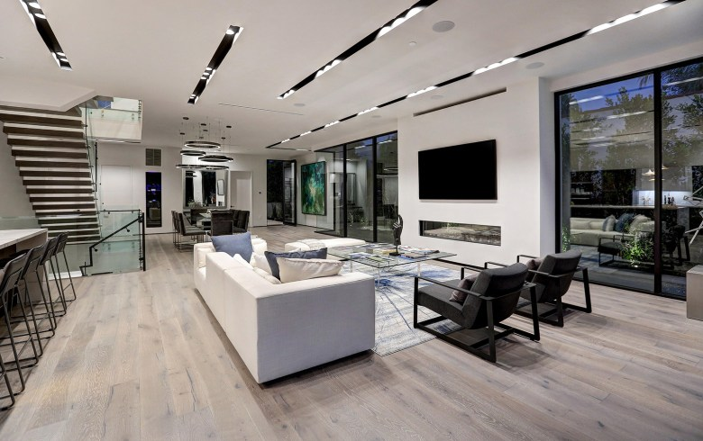 LA Beverly Grove - Modern Home Living Room