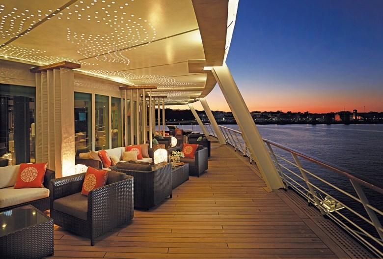 Regent Voyager Cruise Deck