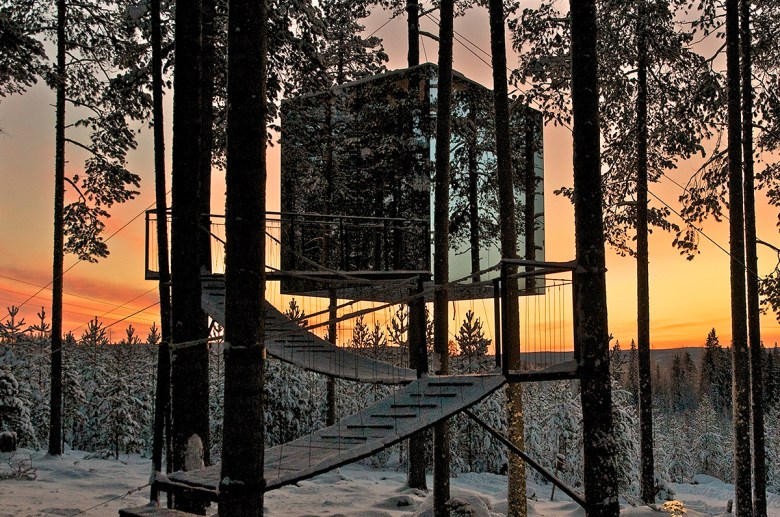 The Mirrorcube treehouse hotel Sweden