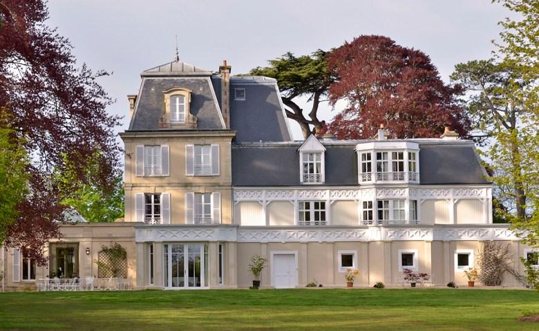 Chateau La Cheneviere France