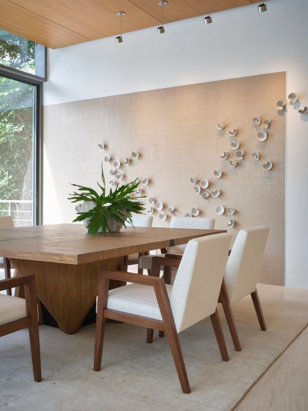 beach inspired dining room by IMI Design