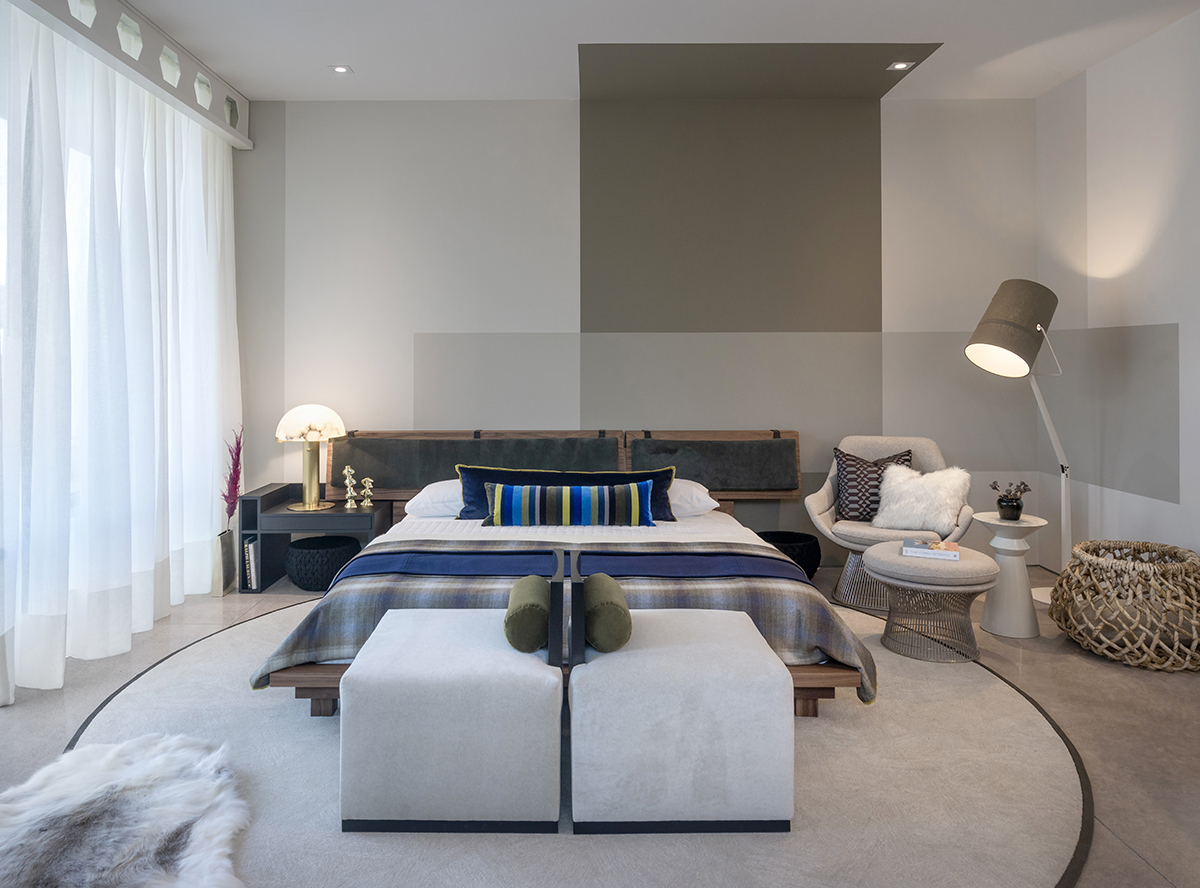 ICONIC HAUS modern bedroom by Mara Interior Design