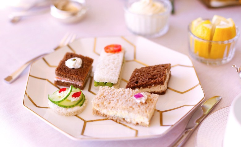 how to host a modern tea party by ICONIC LIFE