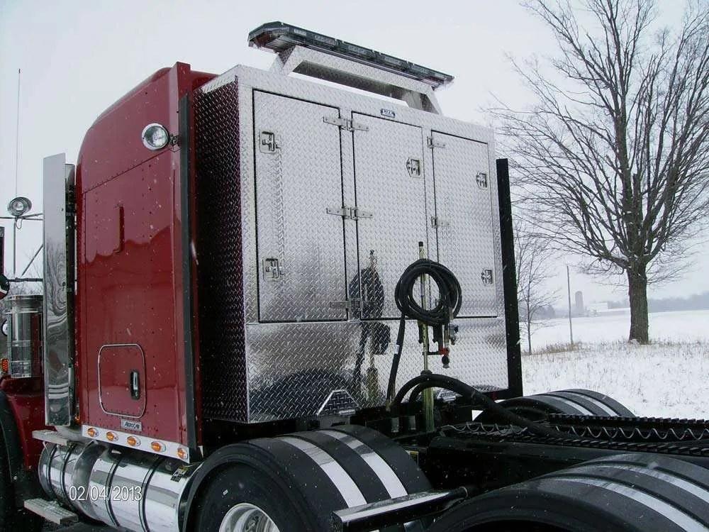 Semi Truck Enclosed Headache Racks & Cab Guards