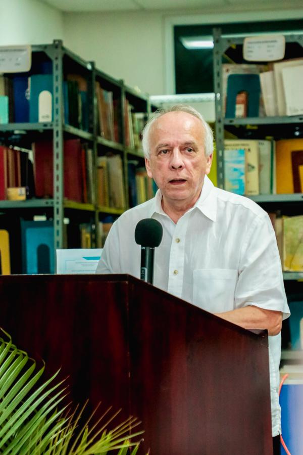 Julio Escoto recibe el premio Ramón Amaya Amador 2019