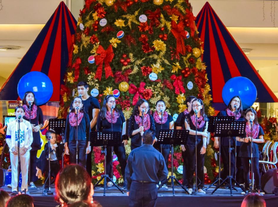 Navidad Pepsi 2019 enciende su árbol en San Pedro Sula - Iconos Mag