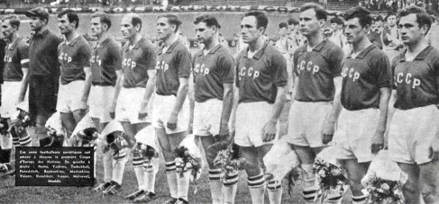 USSR squad on the final match USSR 2-Yugoslavia 1 on July 10, 1960 (courtesy FOOTBALL MAGAZINE)