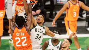Bucks got the 'Khris Middleton game' when they needed it most