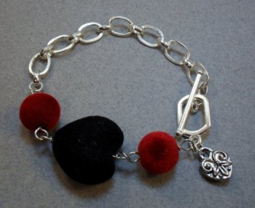 Black Heart of Velvet Chained Bracelet