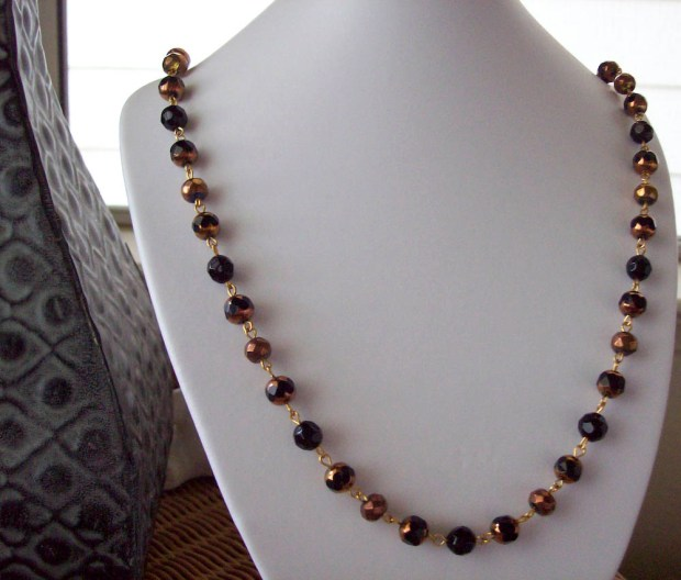 Black and Copper Link Beaded Necklace