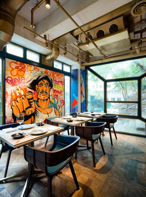 "Restaurant ""bibo"" Filled With Street Art - Icreatived"
