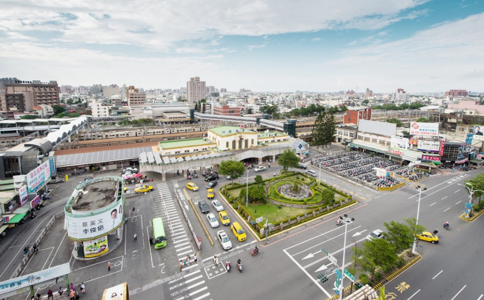 沈庭增建築師作品「嘉義火車站前廣場改造」-欣建築-欣傳媒建築設計頻道