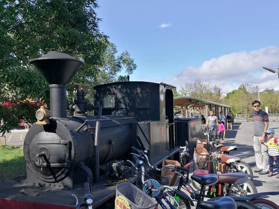 【臺中景點】東勢區。東勢客家文化園區 蒸汽火車好吸睛-花洛米一起去玩耍-欣傳媒旅遊頻道