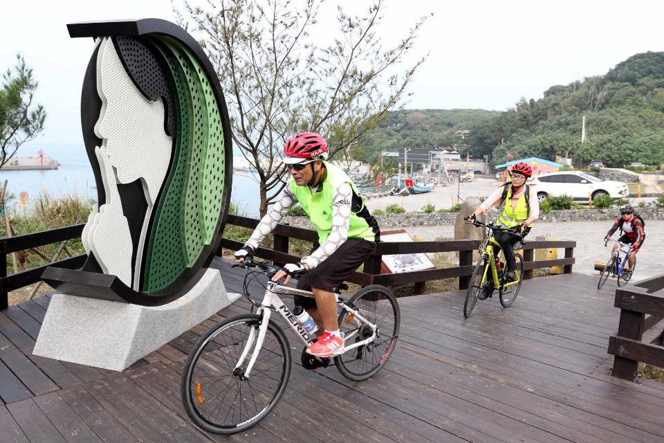 北海岸騎遊新亮點 全臺最北雙灣自行車道啟用-欣單車-單車讓生活更精采-欣傳媒運動頻道