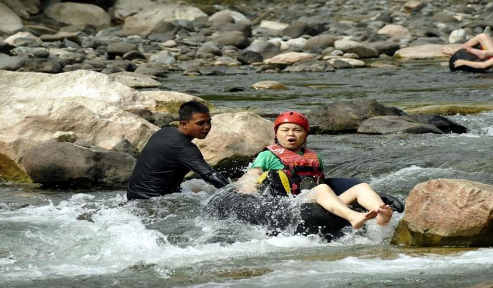 【長灘島行程】長灘島自由行必玩!熱帶雨林中最驚險刺激的急流泛舟!-Travel x Freedom-欣傳媒旅遊頻道