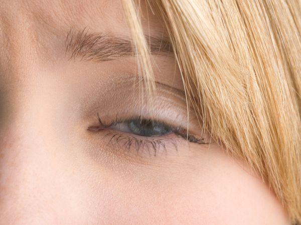 視力只剩0.06 竟是眼影惹禍-欣健康-樂活醫療創欣人生-欣傳媒運動頻道