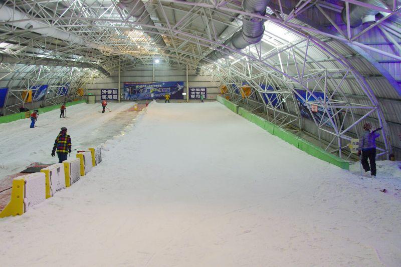 閒聊 lelo我今天突然想到小叮噹滑雪場 - 滑雪人論壇