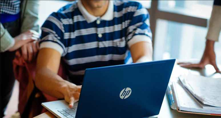 How To Choose The Best Student Laptop For College