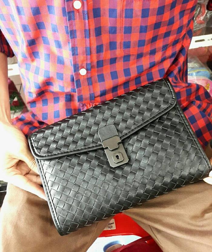 Rekomendasi clutch Bottega high quality leather. premium leather