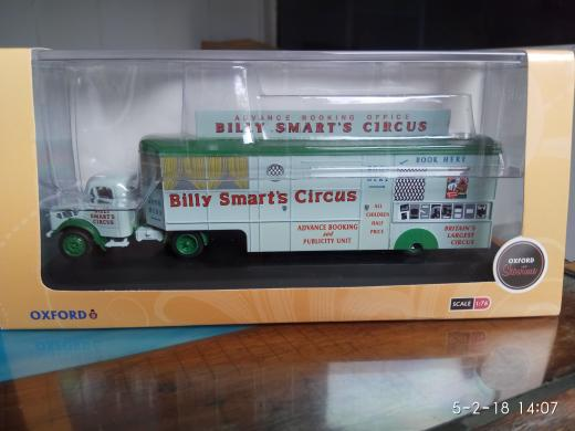 Kado Terpopuler Oxford 1:76 Bedford Advance Booking Office - Billy Smart's Circus