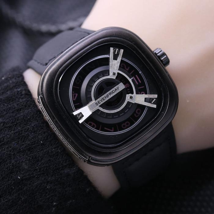 JAM TANGAN PRIA SEVENFRIDAY M2 KULIT BLACK (WHITE)