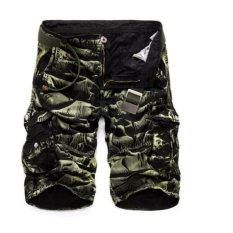 Mens Casual Slim Fit Cotton Solid Multi-pocket Kargo Camouflageshorts (Hitam/Hijau Camou)-Intl