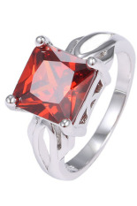 Phoenix B2C Wanita 925 Sterling Silver Plated Cubic Square Garnet Cincin Solitaire Love Gift (US 8)