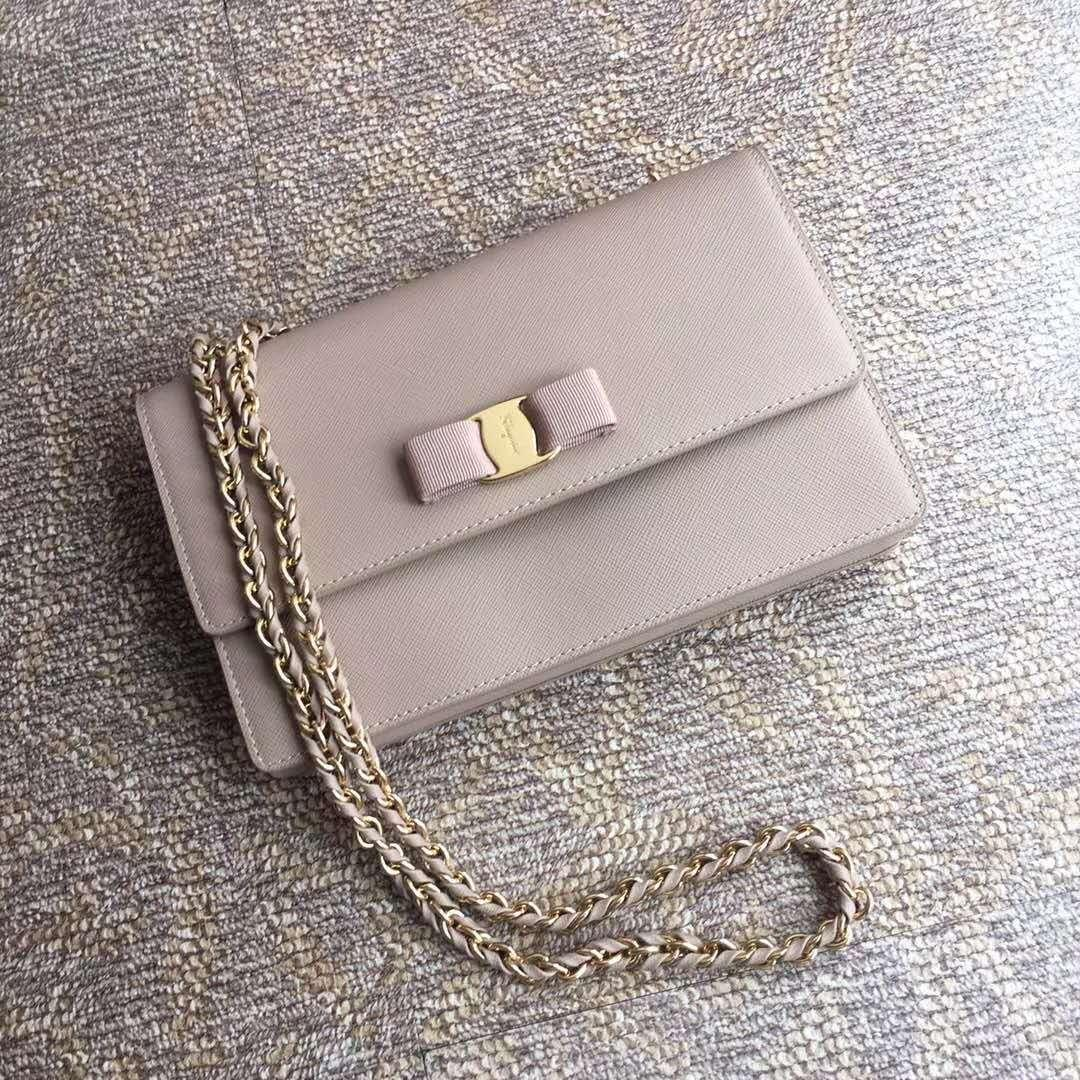 Ferragamo new women's crossbody bag 21E480