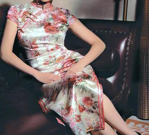 Traditional Chinese cheongsam dress