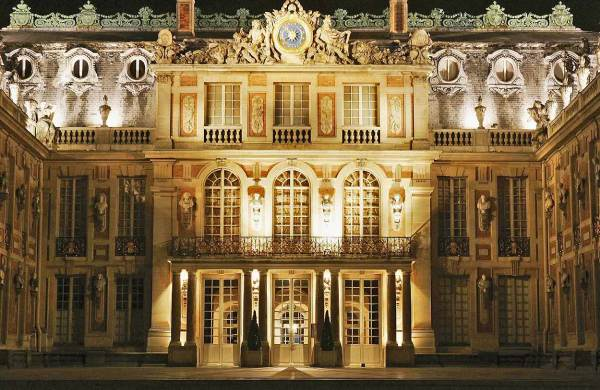 Marie Antoinette Art & Architecture In Periods
