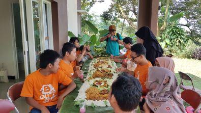 1 Menu makanan di Villa Baturraden