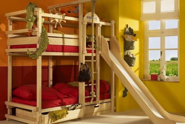 Двухъярусная кровать для детей с горкой