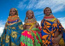 Mwila or Mumuhuila women