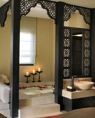 Moroccan style bathroom  IDARCHI