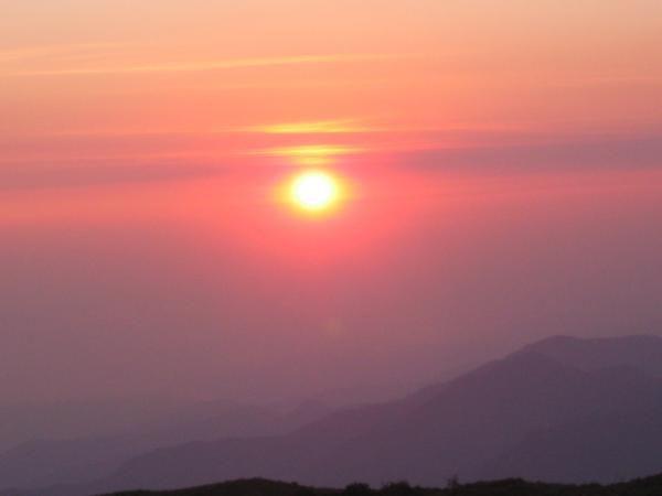 salida del sol tres cruces