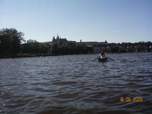 Louer une barque ou un pédalo à Prague pour flâner sur la Vltava 1