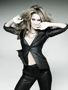 Celine-Dion-2007-neu-05.jpg