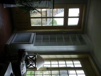 Cache radiateur et habillage de mur en bibliothque laqu blanc  Atelier de lbniste C