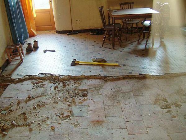 Renovation tomettes anciennes  Resine de protection pour peinture