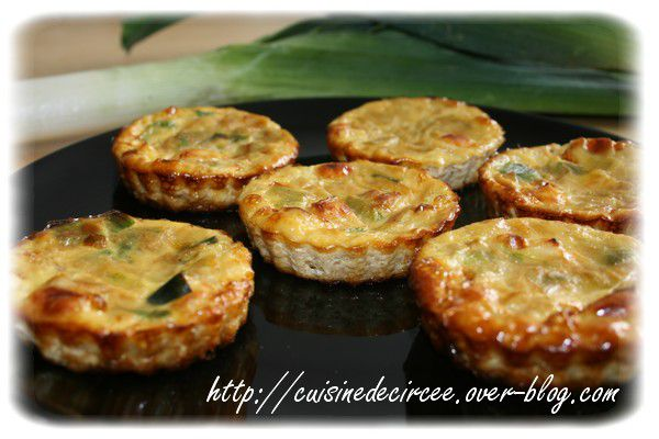 mini quiches sans p te au poireau et au brie la cuisine de circ e. Black Bedroom Furniture Sets. Home Design Ideas