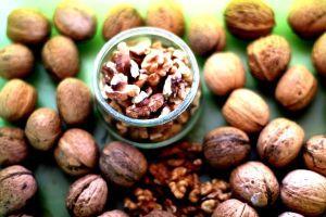 walnut & prune pudding - walnuts