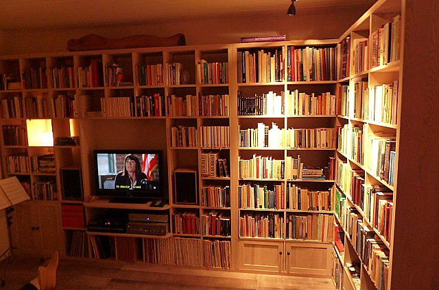 Bibliothque contemporaine TV HiFi la suite  Atelier POURQUOI PAS  Mobilier Design sur mesures
