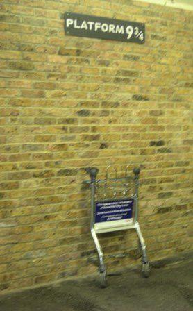 Gare De King's Cross Quai 9 3 4 : king's, cross, Harry, Potter, Cross, Mélanie