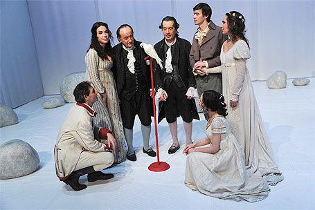 critique-theatre-les-serments-indiscrets-de-marivaux-M50592.jpg