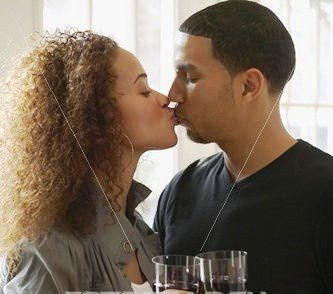 couple trinquant