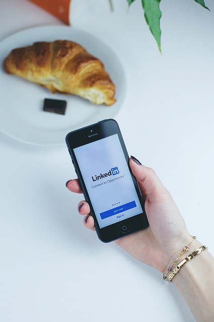 """Facebook Marketing Tips That You'll Want To """"Like"""""""