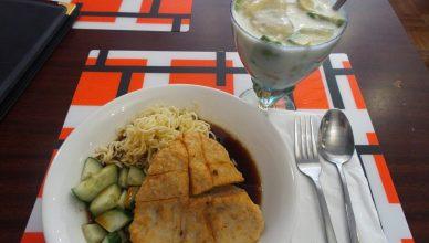 restoran indonesia halal enak di belanda