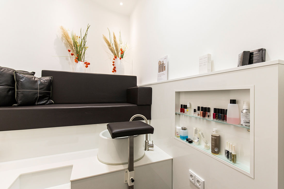 Friseureinrichtung, Friseurbedarf, Kosmetik, Beauty