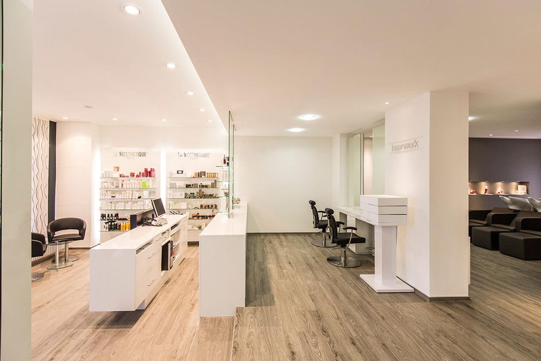 Friseureinrichtung, Friseurbedarf, Friseurspiegel, Friseurstuhl, Bedienplatz, Rückwärtswaschbecken
